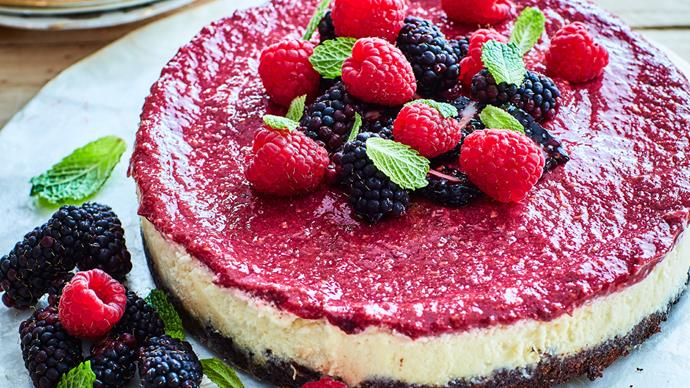 Vegan berry and lemon cheesecake