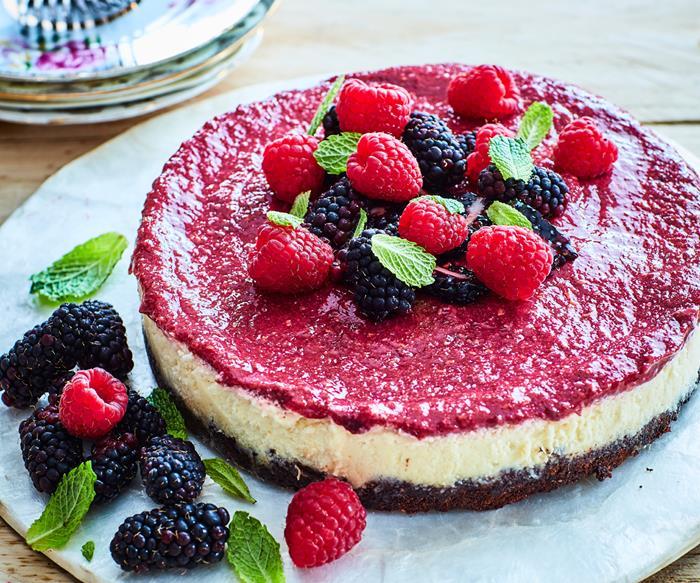 Vegan berry and lemon cheesecake