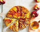 Nectarine and almond tart with homemade vanilla pastry