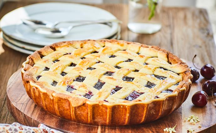 Cherry and raspberry pie with sweet short pastry