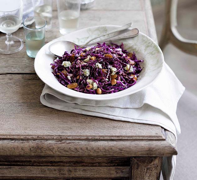 Red cabbage and hazelnut salad