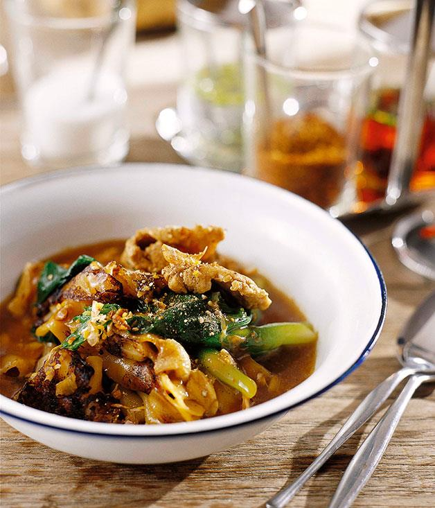 """[Charred rice noodles and chicken with thickened """"gravy"""" (Raat nar gai)](https://www.gourmettraveller.com.au/recipes/chefs-recipes/david-thompson-charred-rice-noodles-and-chicken-with-thickened-gravy-raat-nar-gai-7361
