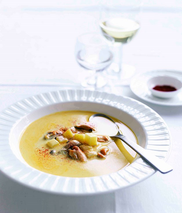 Mussel and saffron soup