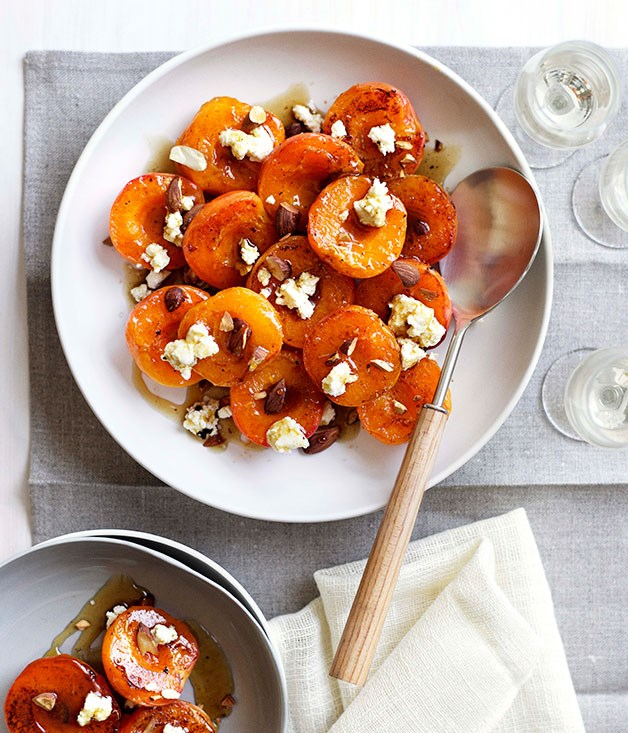 Sautéed apricots with maple syrup, ricotta and almonds