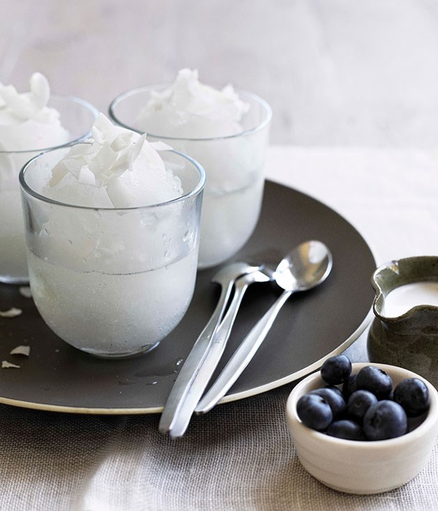 Elderflower ice with blueberry and coconut