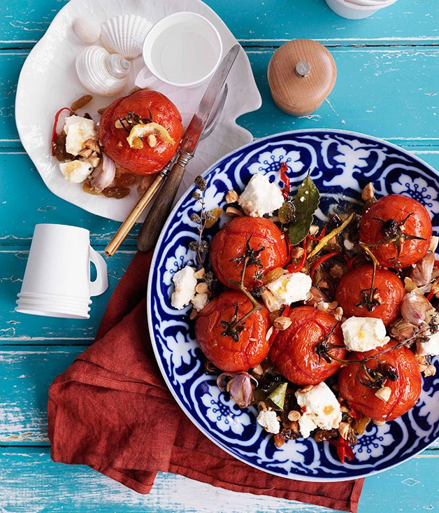 Roast tomatoes with raisins and feta