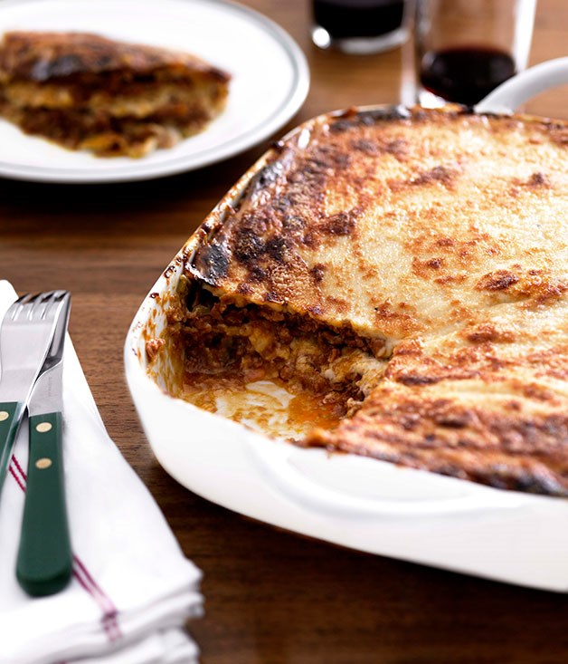 "**[A classic lasagne](http://www.gourmettraveller.com.au/recipes/browse-all/lasagne-8685|target=""_blank"")**"
