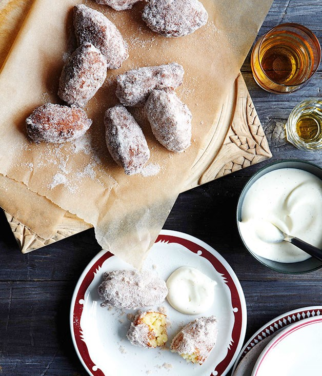 Rice fritters with vanilla cream