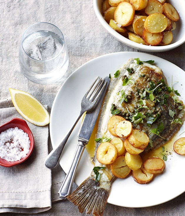Grilled sole with lemon, capers and parsley