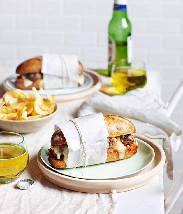 **Meatball sandwich with tomato sauce and Fontina**