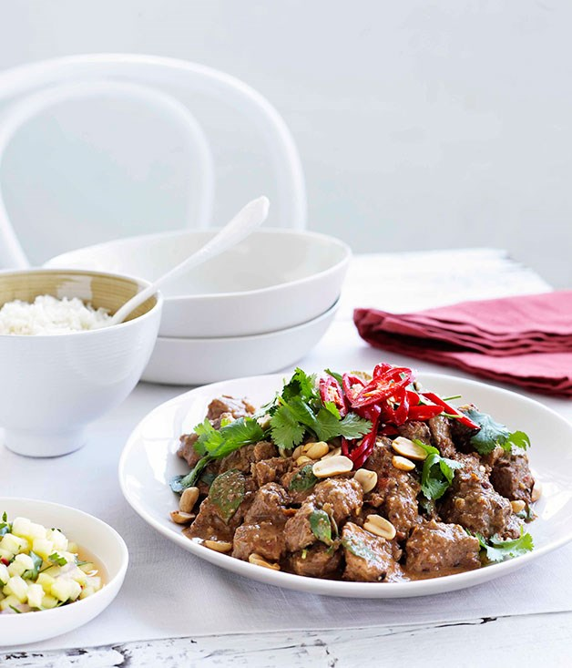 Pork neck curry with roast peanuts and pineapple relish