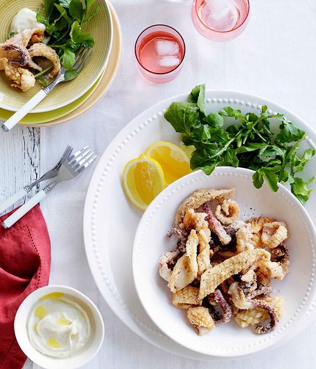 Calamaretti with salsa aglio