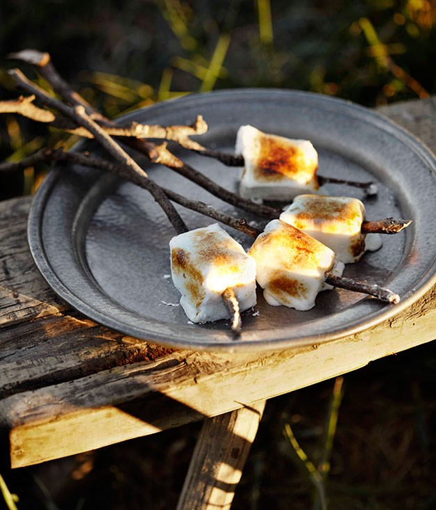 Toasted pineapple marshmallows