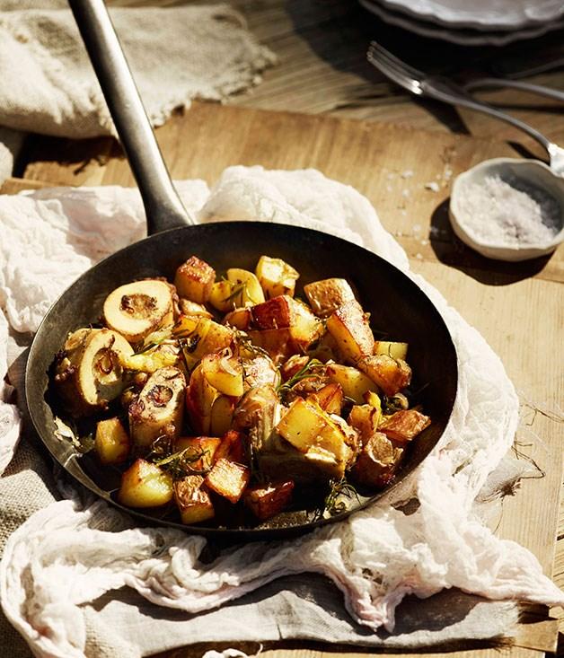 Potatoes with bone marrow and rosemary