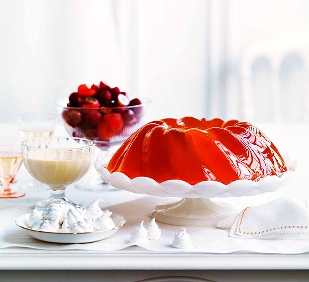 Sparkling vanilla jelly with melon and raspberry salad