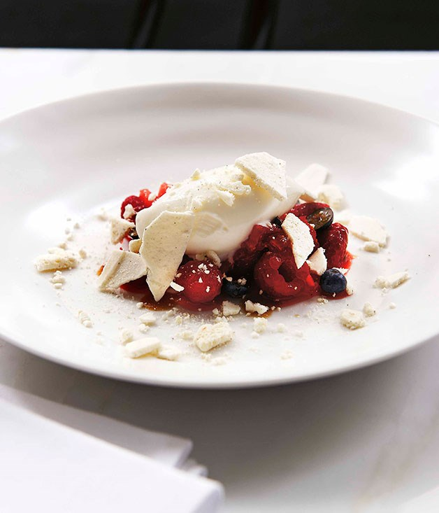 Fig leaf ice-cream with crushed berries and meringue