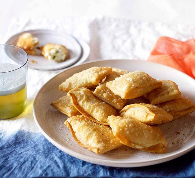 Cheese and mint kalitsounia