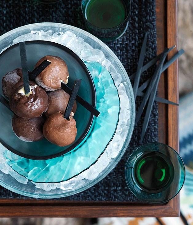 Honeycomb ice-cream balls