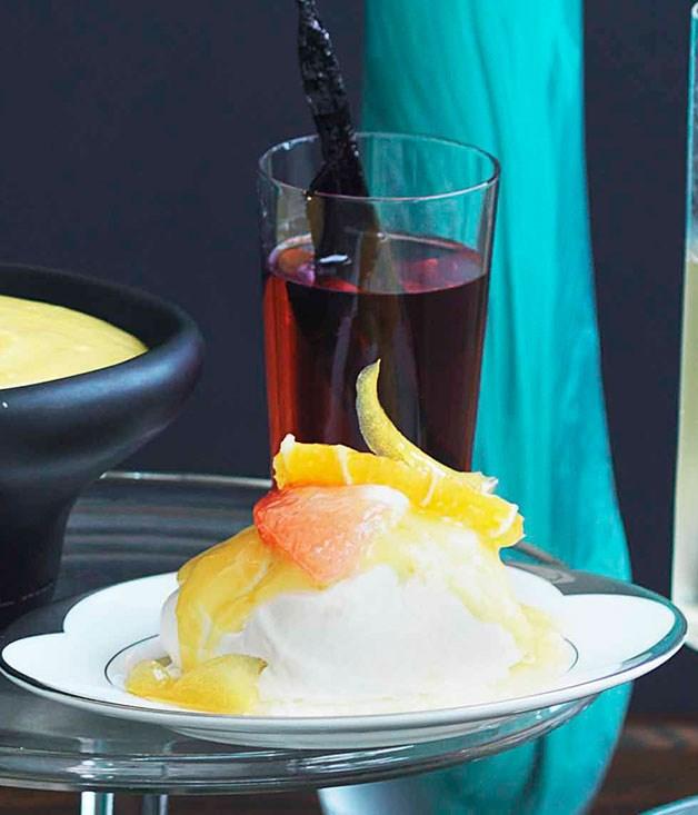 Rosy dessert wine syrup