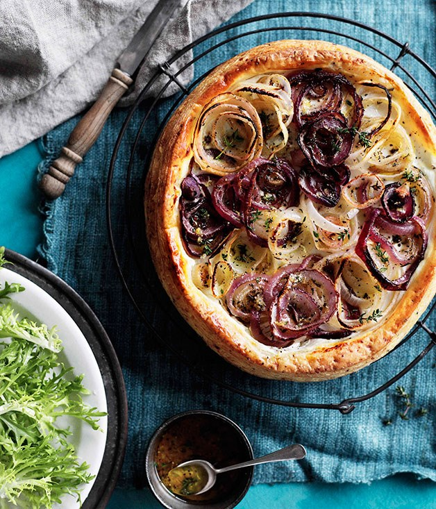 Roast onion tart
