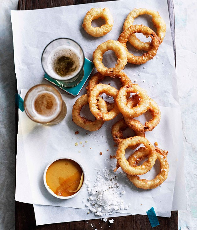Onion rings with salt and vinegar