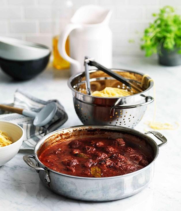 Spaghetti con polpette (Spaghetti with meatballs)