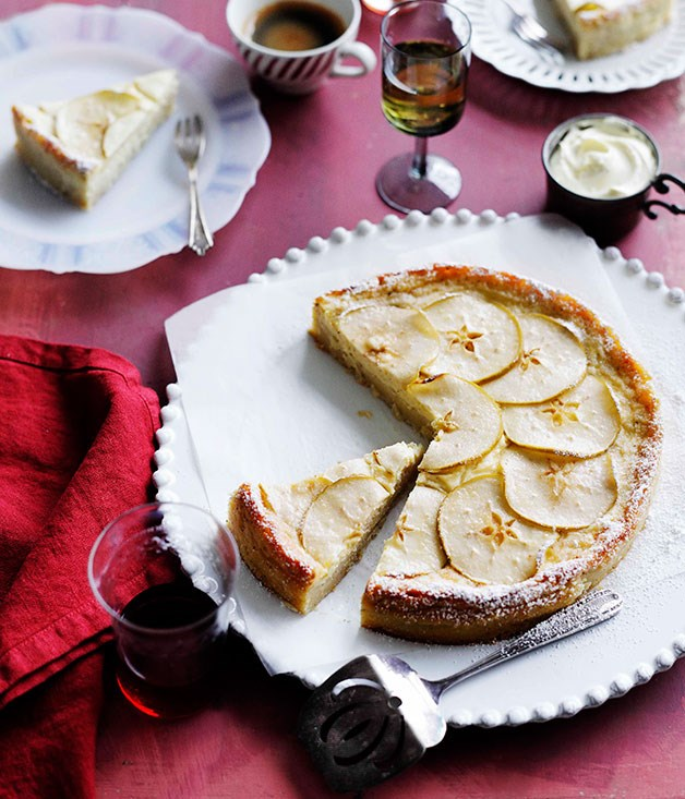 Apple and mascarpone torta