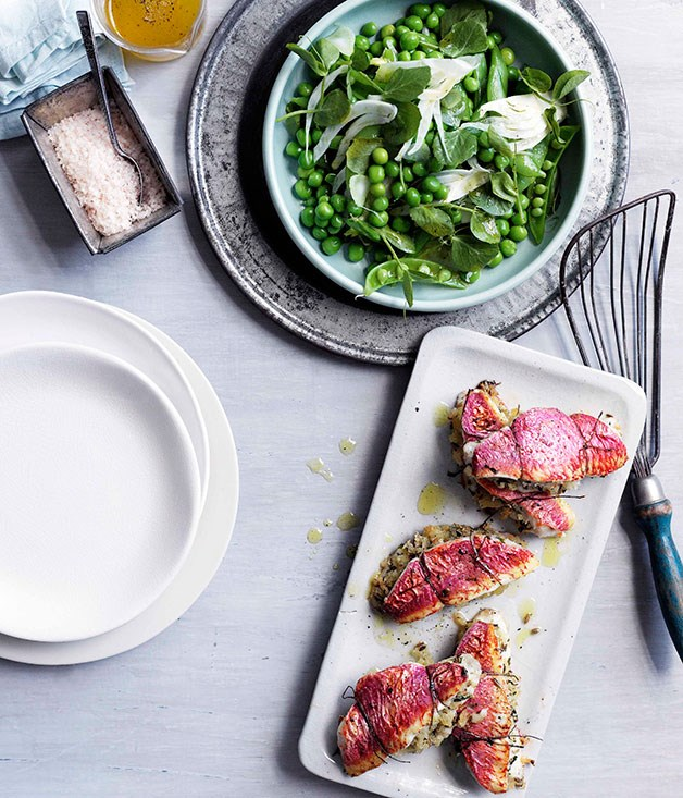 Baked red mullet sandwiches with pea and fennel salad