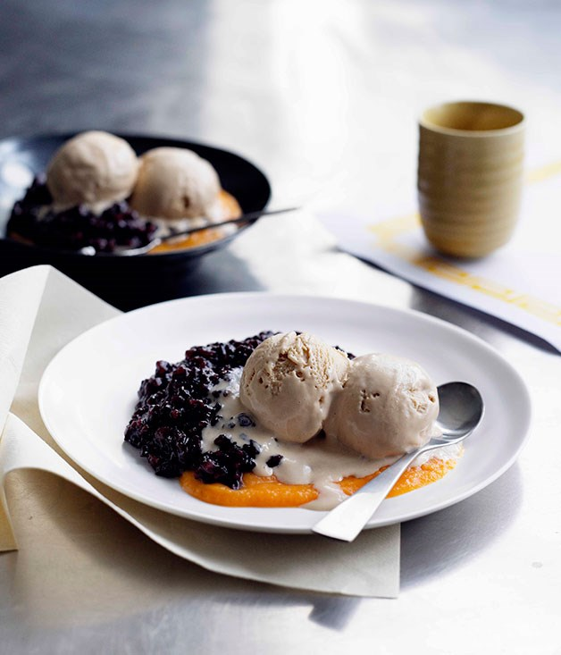 **Coconut ice-cream, black glutinous rice and pumpkin sauce**