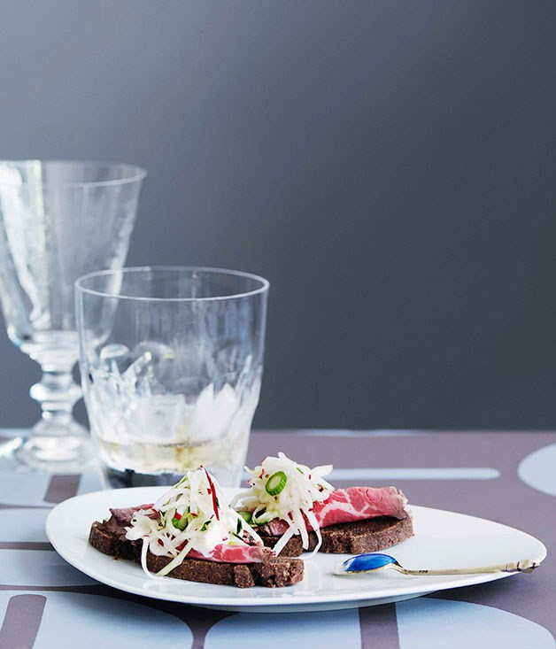 Pumpernickel with spiced wagyu tenderloin and pickled cabbage