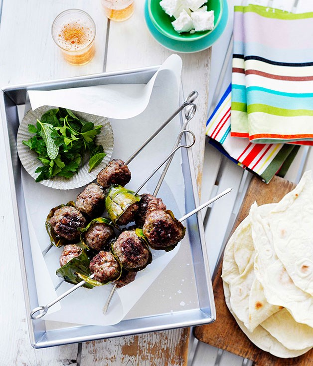 **Lamb köfte with flatbread** **Lamb köfte with flatbread**    [View Recipe](http://gourmettraveller.com.au/lamb-kfte-with-flatbread.htm)     PHOTOGRAPH **BEN DEARNLEY**