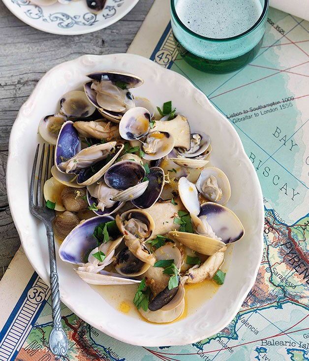 Mushrooms, clams and pipis in white wine