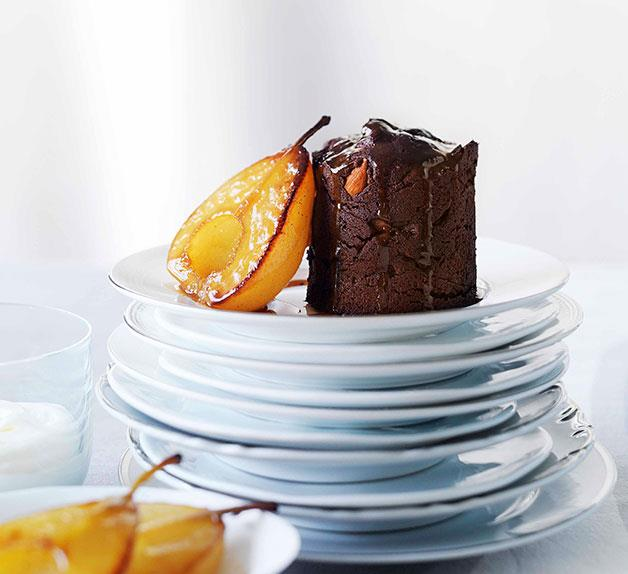Pear and almond mud cakes