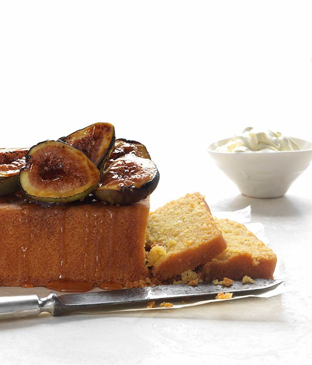 Polenta cake with burnt figs and honey