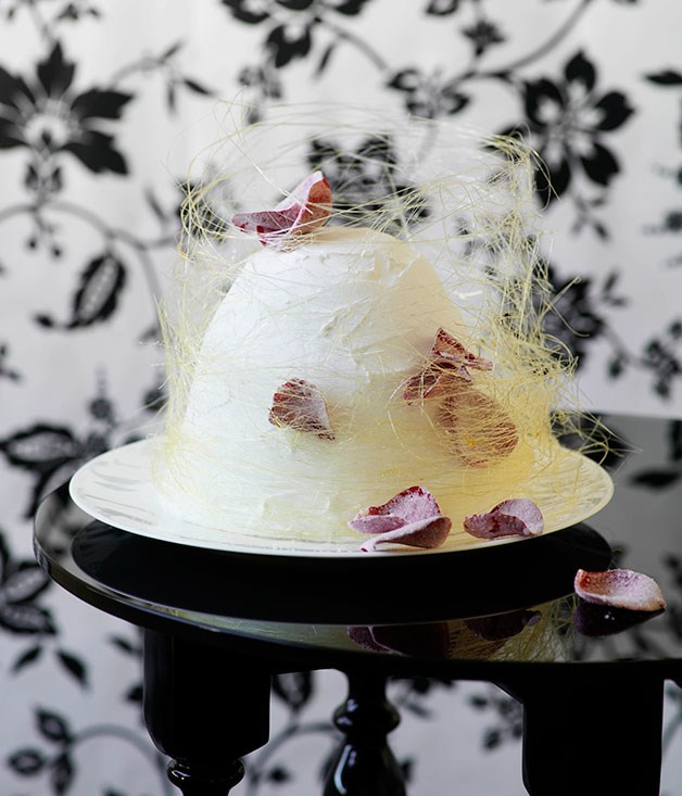 Sugary sugar cake