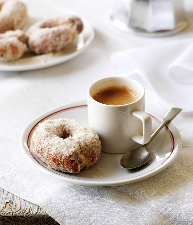 Sweet orange and olive oil doughnuts (Rosquillos)