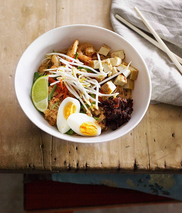 Thai-style noodles (Mee Siam)