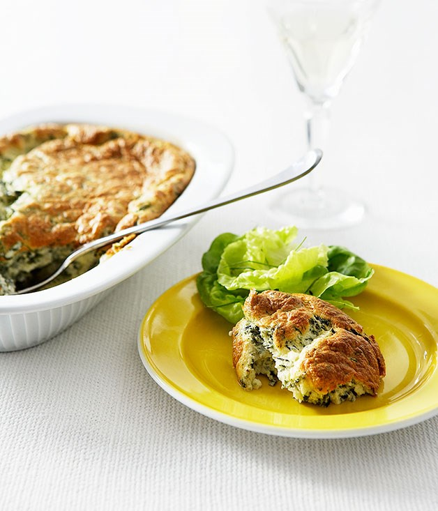Spinach and goat's cheese soufflé with salad