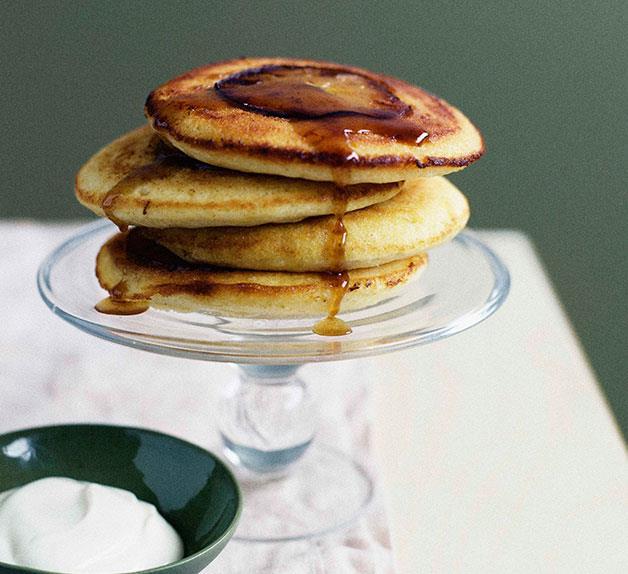 Apple-maple buttermilk hotcakes