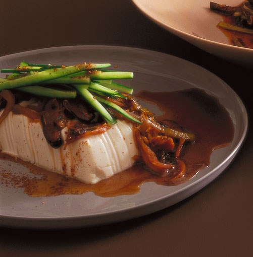 **Braised tofu, family-style, with black vinegar**