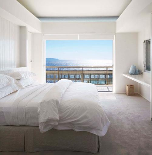 **Australia's best beach houses** **Life's a beach**   Architectural splendour, isolated locations, islands you'll wish were yours: Kendall Hill goes in search of Australia's best beach houses.      **[Read the article](http://gourmettraveller.com.au/australias-best-beach-houses.htm)**