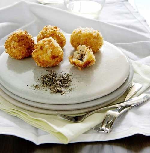 **Crisp prawn dumplings** **Crisp prawn dumplings with green tea salt**    [View Recipe](http://www.gourmettraveller.com.au/crisp-prawn-dumplings-with-green-tea-salt.htm)     PHOTOGRAPH **JOHN LAURIE**
