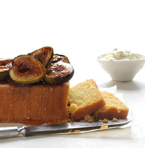 **Polenta cake with burnt figs and honey**