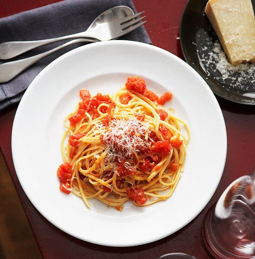 "[**Armando Percuoco's linguine Napoletana**](http://gourmettraveller.com.au/linguine_napoletana.htm|target=""_blank"")"