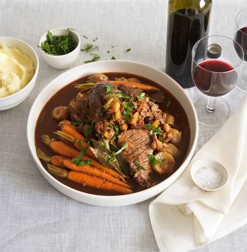 **Beef à la mode** **Beef à la mode**    [View Recipe](http://gourmettraveller.com.au/braising.htm)     PHOTOGRAPH **AMANDA MCLAUCHLAN**