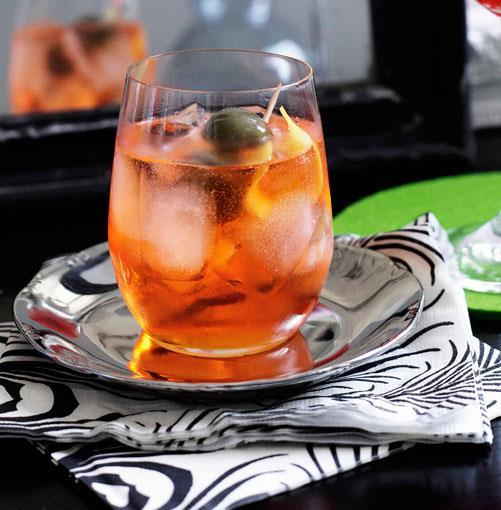 **Gio Spritz** **Gio Spritz**    [View Recipe](http://gourmettraveller.com.au/gio-spritz.htm)     PHOTOGRAPH **BEN DEARNLEY**