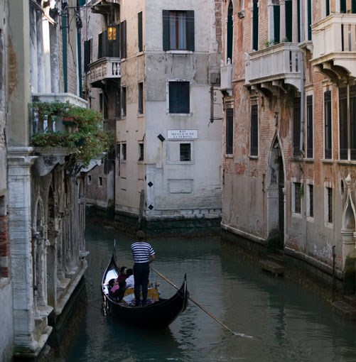 **Venice, Italy** PHOTOGRAPH **PHOTODISC**