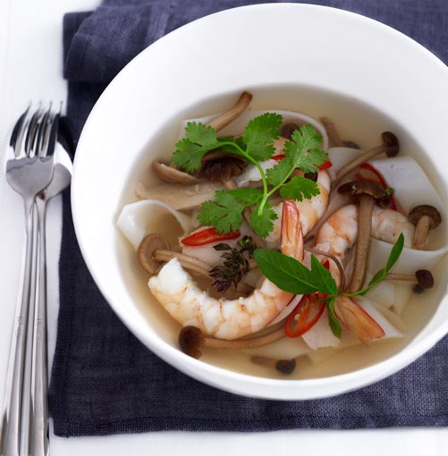 "[Hot and sour prawn, chicken and noodle soup](https://www.gourmettraveller.com.au/recipes/fast-recipes/hot-and-sour-prawn-chicken-and-noodle-soup-13030|target=""_blank"")"