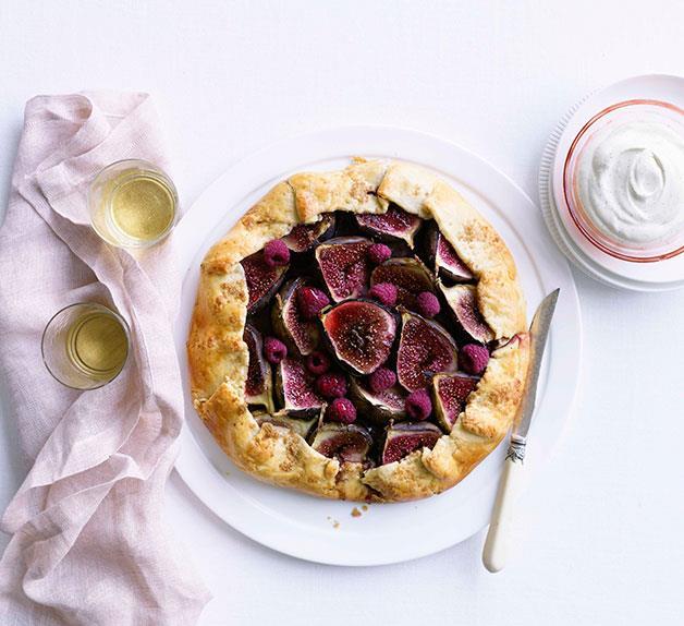 Fig and raspberry crostata