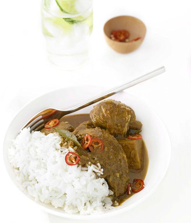 "[Mamak's kari ayam (chicken curry)](http://www.gourmettraveller.com.au/recipes/chefs-recipes/chicken-curry-kari-ayam-8900|target=""_blank"")"